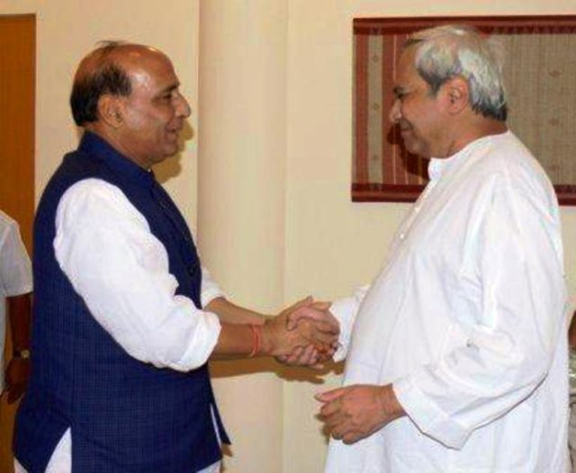 Naveen-and-Rajnath-Singh-640x526